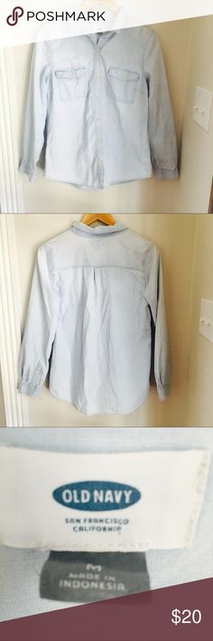 Old navy denim button up shirt Old Navy soft denim button up shirt. Totally on trend and perfect for fall. Excellent condition. Size M. Old Navy Tops