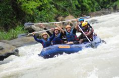 WOOOHOOOOO!!!! #Caldera_Indonesia #Rafting Citarik - Sukabumi, West Java Indonesia