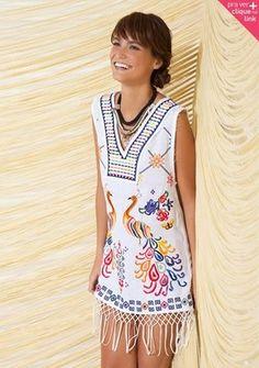 Franjas são bem estilinho. E amei este vestido, combina super com nosso verão!