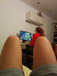 Gamer Girl www.fast2play.com