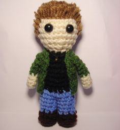 Supernatural Dean Winchester amigurumi on etsy, I like how they did the hair. Crochet Geek, Crochet Dolls, Knit Crochet, Crochet Hats, Amigurumi Doll, Amigurumi Patterns, Crochet Patterns, Supernatural Dean, Supernatural Crafts