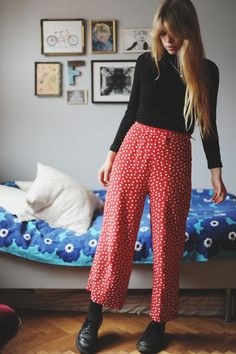 http://florasblogg.se Flora, jag älskar dina byxor!