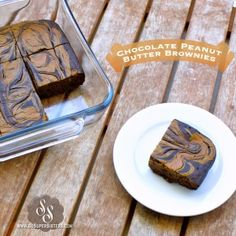 Chocolate Peanut Butter Brownies - guilt-free brownie that's low in sugar, high in protein and under 100 calories Desserts Pauvres En Calories, Low Calorie Desserts, Protein Desserts, 100 Calories, Protein Recipes, Protein Brownies, Best Brownies, Protein Bars, Healthy Protein