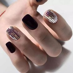 36 Short Gel Nails Art Design Take You New Look Amazing In 2020 - - Nagel Inspiratie - Square Nail Designs, Gel Nail Art Designs, Almond Nails Designs, Black Nail Designs, Manicure Pictures, Nail Art Pictures, Spring Nail Art, Spring Nails, Short Gel Nails