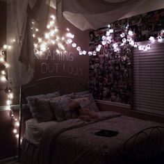 string lights in bedroom, quotes, pic collage wall, LOVE IT Bedroom Decor For Teen Girls, Cute Bedroom Ideas, Girl Bedroom Designs, Teen Room Decor, Room Ideas Bedroom, Awesome Bedrooms, Home Decor Bedroom, My New Room, My Room