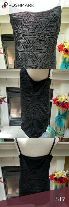 Vanity top Black, crochet, top over black shell. Great condition Vanity Tops