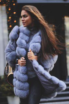Viki Odinctova Long Hair and Fur Fur Fashion, Winter Fashion, Fashion Outfits, Viki Odintcova, Fur Accessories, Fabulous Furs, Fox Fur Coat, Fur Coats, Gorgeous Women