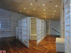 I want this closet! <3