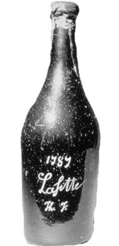 Château Lafite Rothschild de 1787  -  O leiloeiro Michael Broadbent em 1974, em um de seus pregões de vinho, vendeu uma garrafa pelo valor mais alto da história. A tal garrafa é um Château Lafite Rothschild de 1787. Ela foi arrematada, em 1985, em um leilão na Christie's de Londres, pelos donos da revista Forbes, por 156 mil dólares.