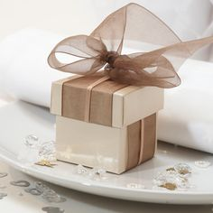 Champagne Wedding Favour Boxes #navy & white retro wedding board... Wedding ideas for brides, grooms, parents & planners ... https://itunes.apple.com/us/app/the-gold-wedding-planner/id498112599?ls=1=8 … plus how to organise an entire wedding, without overspending ♥ The Gold Wedding Planner iPhone App ♥
