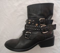 ~ BARNEY'S COOP BLACK LEATHER STUDDED MOTO BOOTS / BOOTIES (BIKER BABE!) ~ 37.5 #BARNEYS #Boots