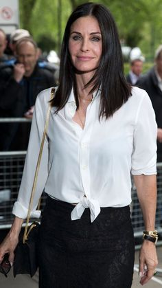 Courteney Cox on aging: 'I regret' cosmetic procedures Hollywood Actresses, Indian Actresses, Female Movie Stars, Diana, Courtney Cox, Celebrity Faces, Hair Color And Cut, Most Beautiful Faces, Jennifer Aniston