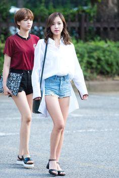 White Plain Polo Airport Fashion of Twice Mina Kpop Fashion, Asian Fashion, Fashion Online, Girl Fashion, Fashion Outfits, Womens Fashion, Airport Fashion, Fashion Trends, Kpop Outfits