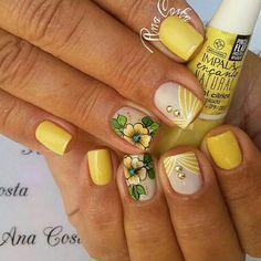 Nail Designs, Lily, Nail Art, Yellow Nails, Elegant Nails, Nice Nails, Lace Nails, Floral Nail Art, Minimalist Nails