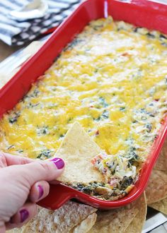 A recipe for delicious spinach artichoke dip with a spicy kick. A great appetizer recipe to make and serve for a party or any gathering! Cheesy Spinach Artichoke Dip, Artichoke Recipes, Creamed Spinach, Great Appetizers, Appetizer Dips, Appetizer Recipes, Coconut Lentil Soup, Dip Recipes, Food To Make