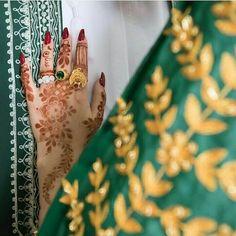 Arabic Henna Designs, Latest Mehndi Designs, Henna Tattoo Designs, Mehndi Designs For Hands, Mehandi Designs, Hair Wrap Scarf, Girl Hand Pic, Henna Night, Henna Style