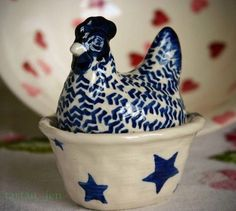 Emma Bridgewater rare ~Starry Skies Small Hen on Nest~ Blue Stars Easter Chickens And Roosters, Pet Chickens, Chicken Song, Chicken Items, Egg Coddler, Hens On Nest, Rooster Kitchen, Irish Cottage, Rooster Decor