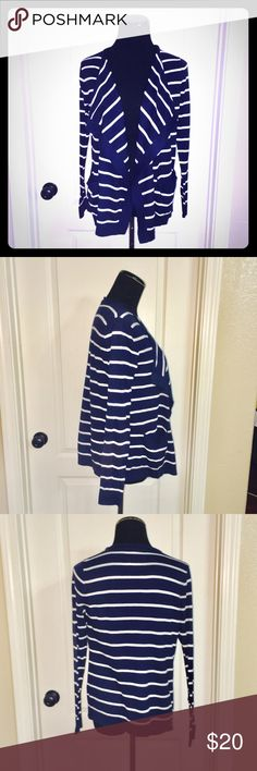 Gap Batwing Cardigan EUC 🍓 Gap Batwing cardigan in excellent condition. No stains or tears. Super soft material; navy blue and white stripes. GAP Sweaters Cardigans