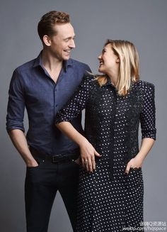 #TomHiddleston and Elizabeth Olsen by John Shearer at the #ISawTheLight press day on Oct. 17, 2015 in Nashville, Tennessee.  Torrilla的微博_微博