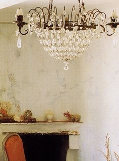 Candle chandelier ~~~ Beautiful, elegant lighting fixture.     ZsaZsa Bellagio: shabby chic