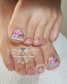 Moda pastel Toenail Polish Designs, Pedicure Designs, Pedicure Nail Art, Toe Nail Designs, Wow Nails, Pretty Toe Nails, Cute Toe Nails, Pretty Toes, Bella Nails