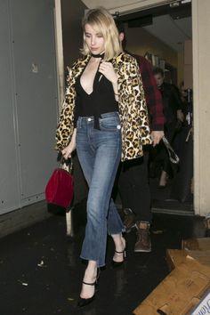 Today's+Style+Secret:+Julianne+Moore+Keeps+It+Cool+in+a+Gray+Fur  - HarpersBAZAAR.com