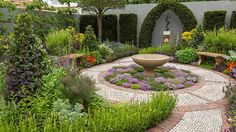 RHS Chelsea Flower Show 2016 / RHS Gardening Jekka McVicar's Modern Apothecary's Gardern