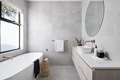 Beach House Bathroom, Bathroom Inspo, Bathroom Ideas, Bathroom Inspiration, Ensuite Bathrooms, Bathroom Renos, Master Bathroom, Flooring On Walls, Small Bathroom Layout