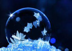 © Cheryl Johnson/Facebook Glass Photography, Types Of Photography, Autumn Photography, Abstract Photography, Goth Wallpaper, Wallpaper Backgrounds, Wallpapers, Coeur Gif, Frozen Bubbles