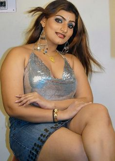 Hot Masala Actress Babilona Thunder Thigh Show