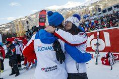 LIENZ - Sobotňajší slalom v rakúskom Lienzi priniesol okrem dramatického súboja Petry Vlhovej s Mikaelou Shiffrinovou aj vybičované emócie. Racing, Hats, Sky, Running, Hat, Auto Racing, Hipster Hat