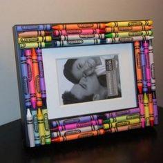 Cute crafts For Teachers - Crayon Picture Frame Crafts for Kids Kids Crafts, Crafts To Do, Craft Projects, Easy Crafts, Kids Diy, Crayon Crafts, Crayon Art, Crayon Ideas, Crayon Canvas