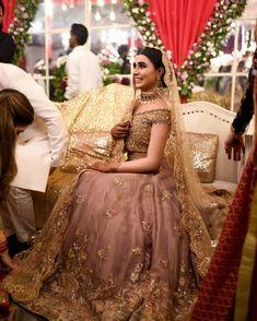 Wedding Looks of Pakistani Brides will Brim you with Inspiration Asian Wedding Dress, Pakistani Wedding Outfits, Pakistani Wedding Dresses, Bridal Outfits, Dream Wedding Dresses, Indian Dresses, Nikkah Dress, Shadi Dresses, Indian Outfits