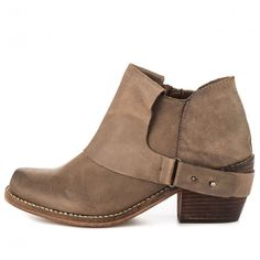 SixtySeven | MTNG 'Faith', bootie, taupe. Perfect low heel, squared toe in beat up leather.