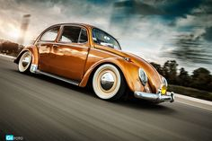 Rootbeer Racer with Cream Soda Rims!!  VW rigshot by GIIFOTO