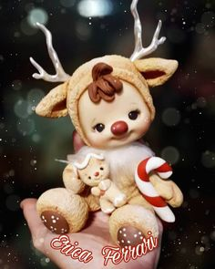 La imagen puede contener: texto Clay Ornaments, Felt Christmas Ornaments, Christmas Art, Christmas Decorations, Polymer Clay Dolls, Polymer Clay Flowers, Polymer Clay Crafts, Polymer Clay Christmas, Clay Baby