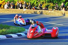 Sidecar Racing at the Isle of Man TT Is Insane (and Insanely Cool) Molyneux, Side Car, Isle Of Man, Super Bikes, Car And Driver, Racing, Cool Stuff, Vehicles, Sports