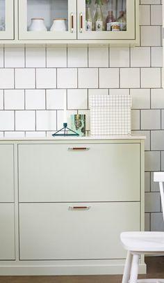 Relaterad bild Luxury Kitchens, Home Kitchens, Interior Design Kitchen, Kitchen Decor, Bedroom Plants Decor, Kitchen Drawing, Kitchen Stories, Beautiful Kitchens, Planer