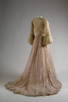 Tea gown, ca. 1900. Printed silk chiffon, silk chain stitch, and lace. Charles Frederick Worth