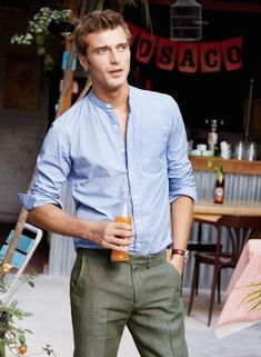 Casual Professional Looks For Men Work Wear This Spring 02 Fashion Moda, Mens Fashion, Fashion 2016, Spring Fashion, Blue Pants Men, Suit Pants, Trousers, Olive Green Suit, Banded Collar Shirts