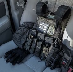 RAE Magazine Speedloaders will save you! Police Tactical Vest, Tactical Helmet, Police Gear, Airsoft Gear, Military Gear, Military Equipment, Plate Carrier Setup, Armas Airsoft, Tactical Gear