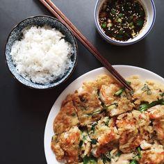 Korean Seafood Pancake (Haemul Pajeon) | O Z M U N D A R E G A L I S