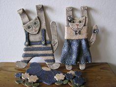 kočka a kocour na přání keramická kočka a kocour na zavěšení o velikosti 25 x 10 cm ze šamotové hlíny, cena je za jeden pár