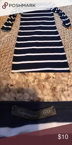 Striped bodycon dress Navy blue and white striped bodycon dress with 3/4 sleeves Soprano Dresses Midi