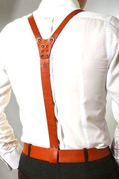 Compre Suspensórios couro vermelho (cinto) Max Balls art No. Mens Leather Accessories, Modern Mens Fashion, Leather Suspenders, Leather Apron, Leather Holster, Leather Design, Leather Men, Red Leather, Menswear