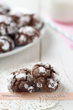 Biscotti al cioccolato fondente extra morbidi, facili e veloci da fare, irresistibili, ideali da mangiare in qualsiasi ora della giornata!