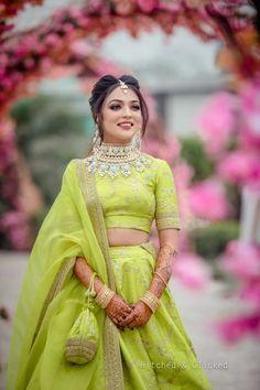 Items similar to Alia bhatt sabyasachi bridal lehenga on Etsy Mehendi Outfits, Indian Bridal Outfits, Indian Designer Outfits, Indian Designers, Indian Look, Dress Indian Style, Indian Dresses, Red Indian, Sabyasachi Lehenga Bridal