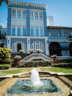 Garden at La Fortaleza in Old San Juan, Puerto Rico | SuitcaseandHeels.com