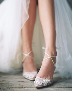 �� @BellaBelleShoes // Adorable details on these elegant bridal shoes from Bella Belle �� Follow @BellaBelleShoes to stay suned for new gorgeous collections �� ... . . For inquiries: �� DM: @BellaBelleShoes �� Email: contact@bellabelleshoes.com �� Visit: www.bellabelleshoes.com . . [#ad] #BellaBelleShoes #heels #shoelove #shoesaddict #shoestagram #shoelover #musthave #iloveit #styleinspo #fashionshoes #shoeobsession #shoesoftheday #shopnow #fashionable #weddingshoes #bridalshoes #bridal…
