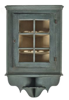 Exceptionnel Bench Made Painted Hanging Corner Cupboard, 46 1/ On